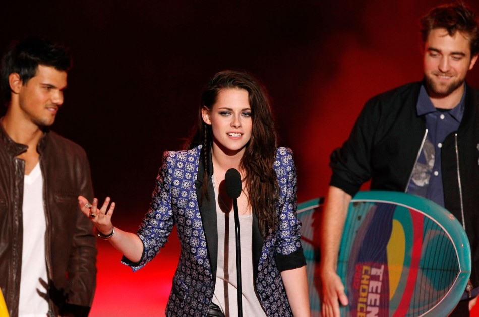 Robert Pattinson, Kristen Stewart and Taylor Lautner at the Teen Choice Awards 2012.