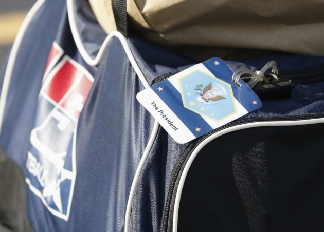 Woman Caught Smuggling Mother's Body in Sports Bag/Reuters