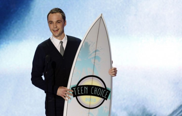 Actor Jim Parsons accepts the Choice TV Actor: Comedy Award at the Teen Choice Awards 2013. (Photo: Reuters)