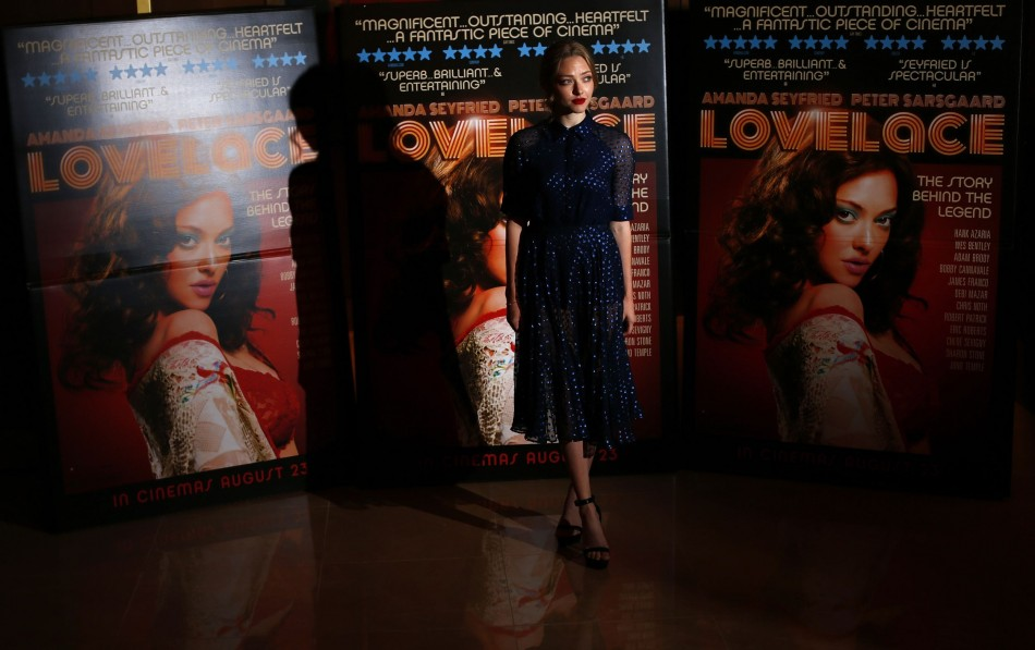 Linda Lovelace was a famous porn star of America in 70s. Amanda Seyfried's dress at Lovelace's UK premiere was inspired by her character of Linda Lovelace in the film. (Photo: REUTERS/Andrew Winning)