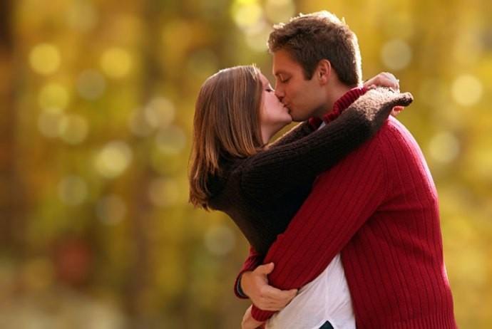 Egypt's national kissing day
