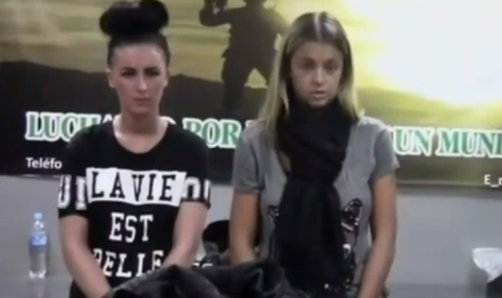 Michaella McCollum Connolly (L) and Melissa Reid deny knowingly carrying drugs (National Police of Peru)