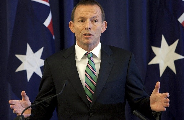 Tony Abbott in new sexism row over Fiona Scott