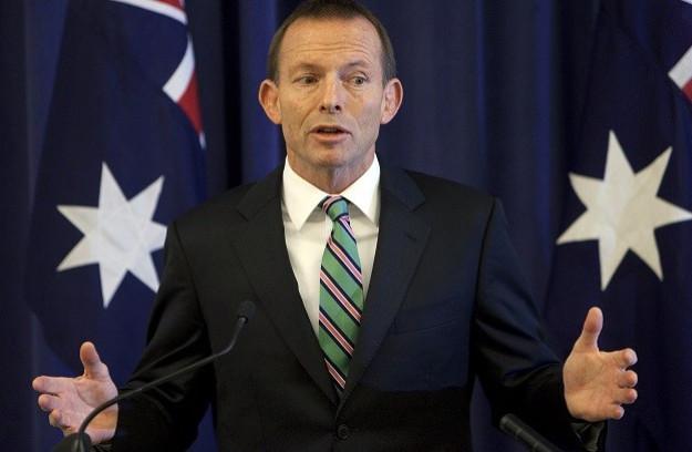 Tony Abbott in new sexism row over Fiona Scott