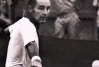 Bob Hewitt won a total of including 15 Grand Slams in his career (Photo: bettor.com)