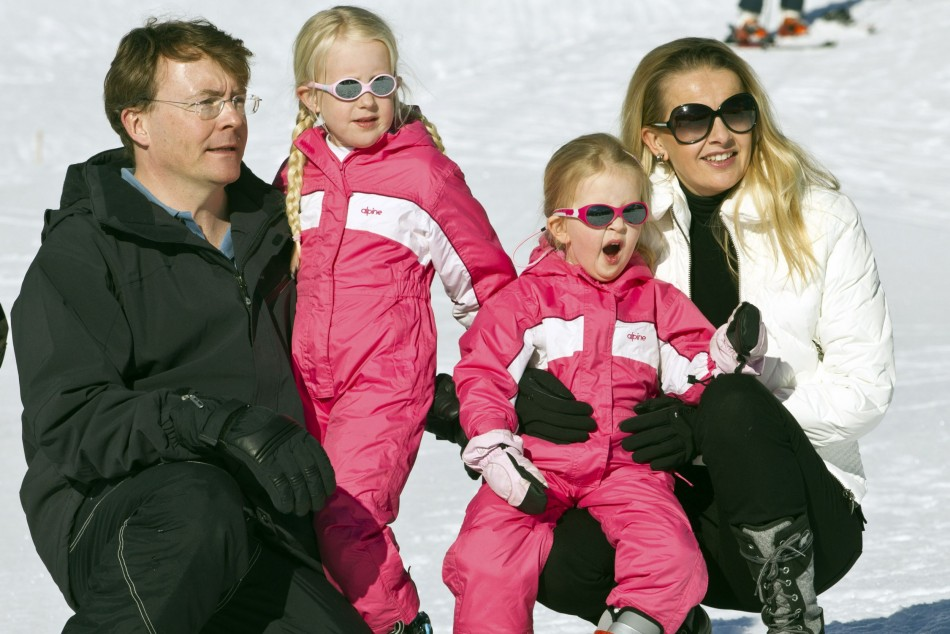 Prince Friso is survived by his wife Mabel Wisse Smit and daughters Countesses Zaria (2nd L) and Luana, pictured here at the Austrian alpine ski resort of Lech am Arlberg February 19, 2011. The Dutch royal family often spends winter holidays in Lech in the west Austrian province of Vorarlberg. It is where Prince Friso was buried in an avalanche in 2012 that eventually took his life. (Photo: REUTERS/Michael Kooren)