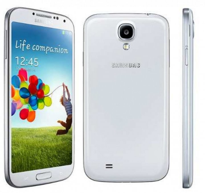 Galaxy S4 (LTE) I9505 Gets Android 4 3 via CyanogenMod 10 2
