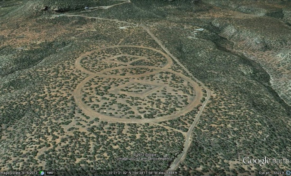 Aerial photography shows symbols believed to be spaceship landing markers. (Google Earth)