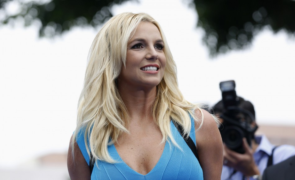"""Singer Britney Spears poses at the premiere of """"The Smurfs 2"""""""