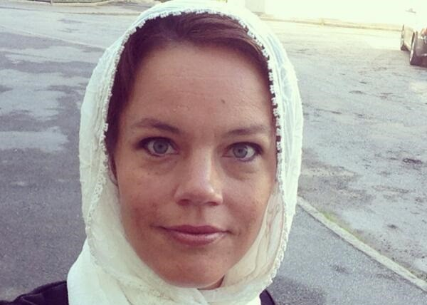 Swedish social democratic politician Veronica Palm joins hijab outcry campaign (@VeronicaPalm/Twitter)