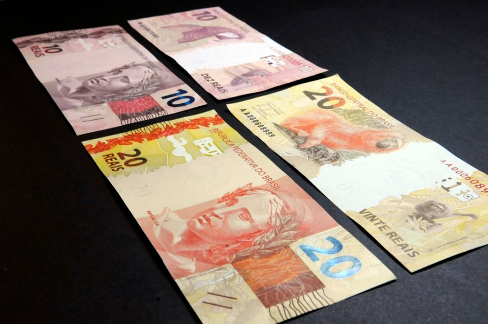 Brazilian 20 and 10 real bills