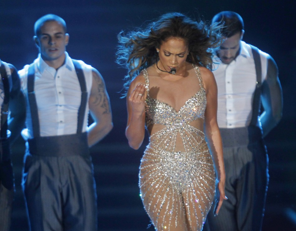Stalker Hiding in JLo's Pool House For Six Nights Arrested/Reuters