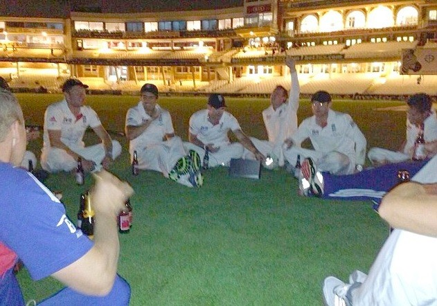 England players celebrate beating Australia to retain Ashes in snap taken by Matt Prior PIC: Matt Prior, Twitter