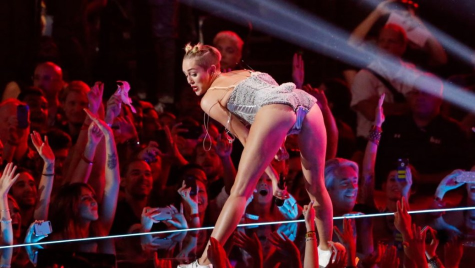 Singer Miley Cyrus performs