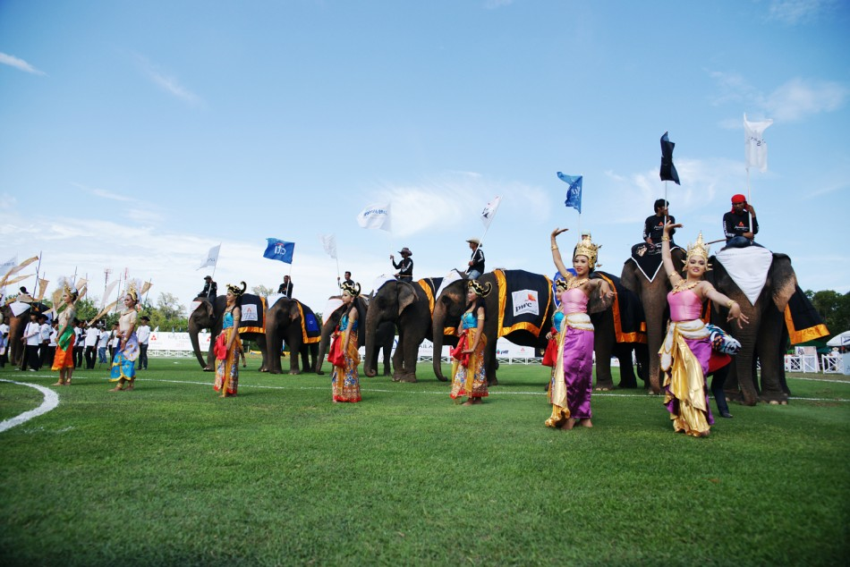 Traditional Thai dancers perform during the opening ceremony for King's Cup Elephant Polo 2013 Tournament in Hua Hin, Thailand. (Photo: www.anantaraelephantpolo.com)