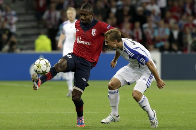 Salomon Kalou (L) and Pierre Bengtsson