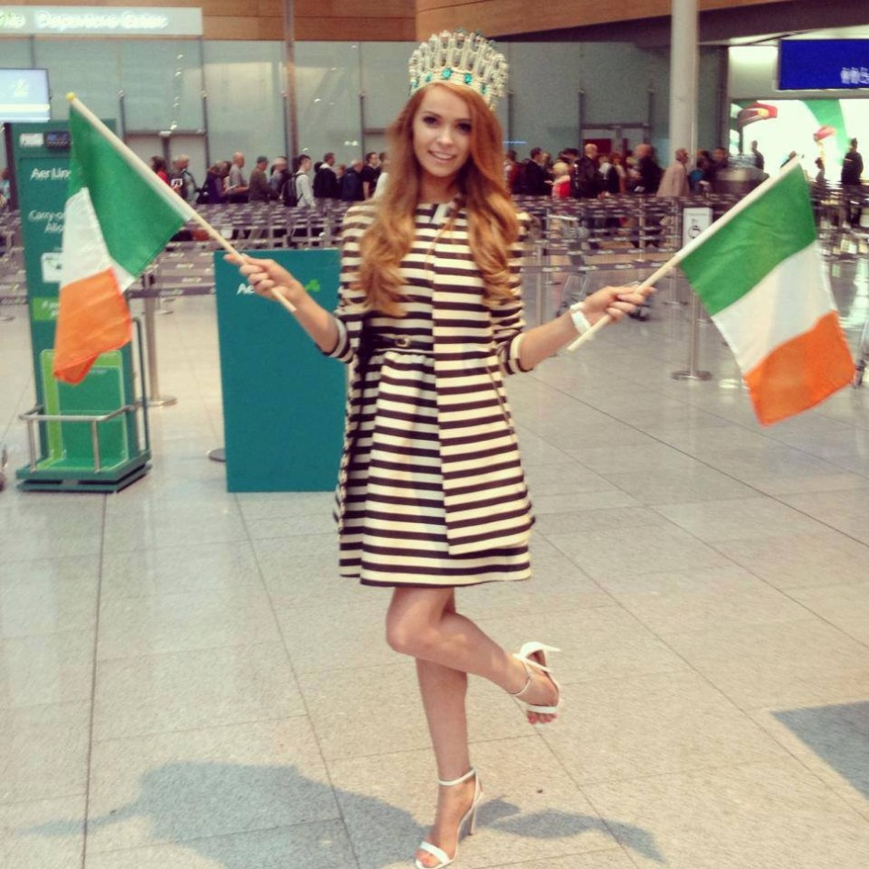 Miss Ireland 2013, Aoife Walsh, poses at airport as she heads to Indonesia to take part in Miss World 2013 pageant. The 63rd annual contest officially began in Bali with the arrival of contestants on 2 September. The finale will be held on 28 September. (Photo: Miss World/Facebook)