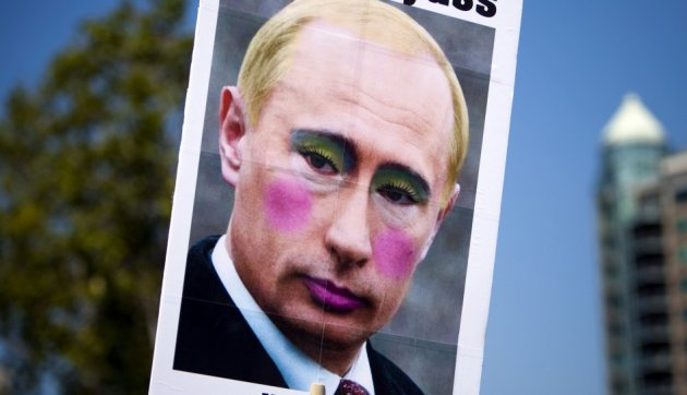 Obama Meets LGBT Activists Following Homophobic Russian Law