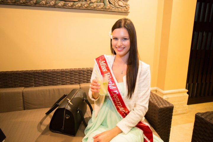 Miss Denmark 2013, Malene Riss, enjoys her welcome drink in Bali. (Photo: Miss World Indonesia 2013)