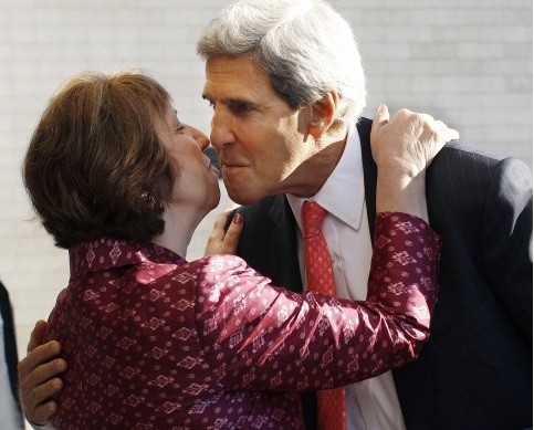EU foreign policy chief Catherine Ashton greets US Secretary of State John Kerry in Vilnius