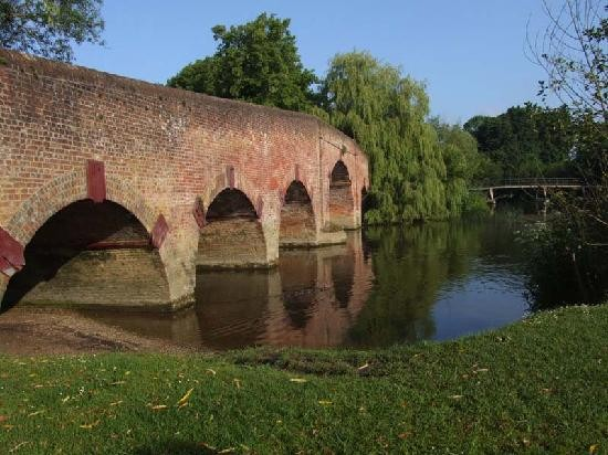 Sonning-on-Thames bridge without no letterbox visible PIC: Tripadvisor