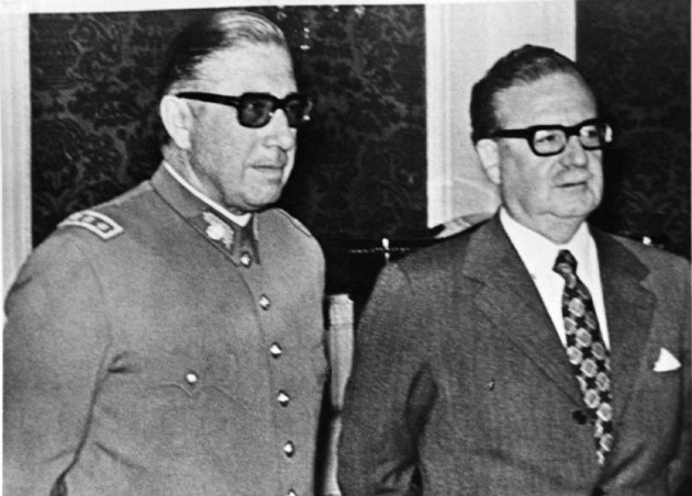 Chilean President Salvador Allende (R) and Commander of the Army General Augusto Pinochet