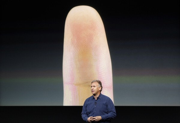 iPhone 5S with fingerprint sensor