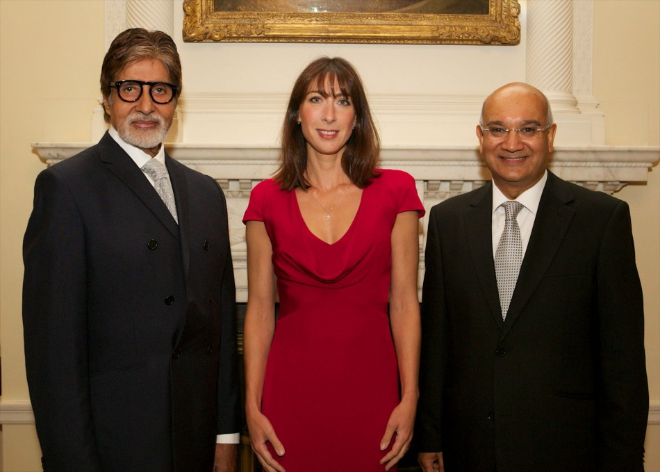 Amitabh Bachchan poses with Samantha Cameron, who hosted the Silver Star charity reception. Speaker of the House of Commons, Rt Hon John Bercow MP (R), presented the award to Amitabh Bachchan. (AmitabhBachchan/Facebook)