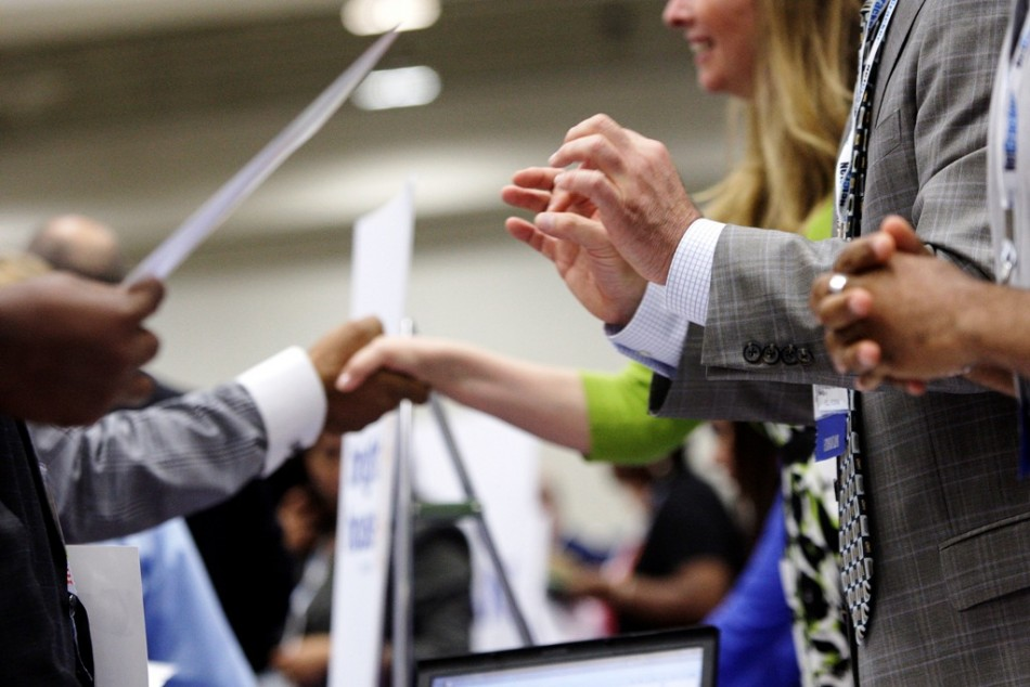 US Initial Jobless Claims Fall To Over Seven-Year Low