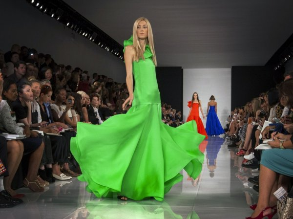 A model presents a creation from the Ralph Lauren Spring/Summer 2014 collection during New York Fashion Week, September 12, 2013. (REUTERS/Lucas Jackson)