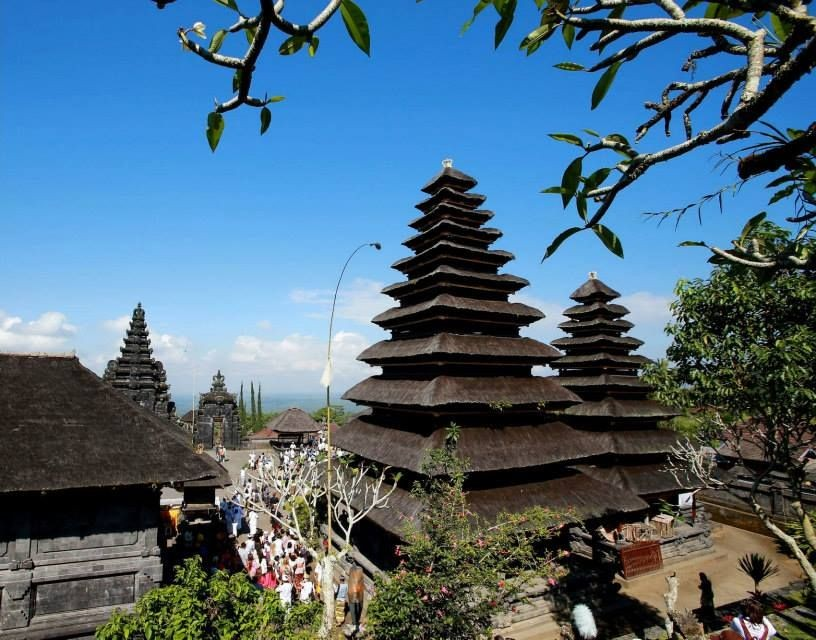 The Mother Temple of Besakih, which is located in eastern Bali on the slopes of Mount Agung, the highest volcano (3140m) on Bali Island. (Photo: Miss World/Facebook)