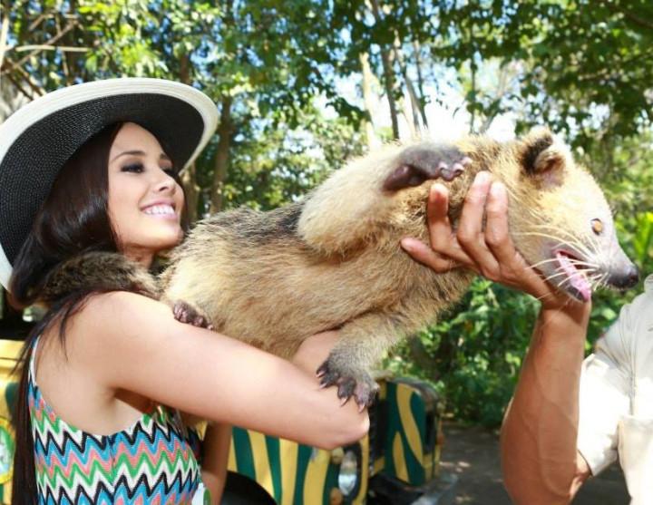 Miss World Philippines, Megan Young, at Bali Safari and Marine Park (Photo: Miss World Organisation)