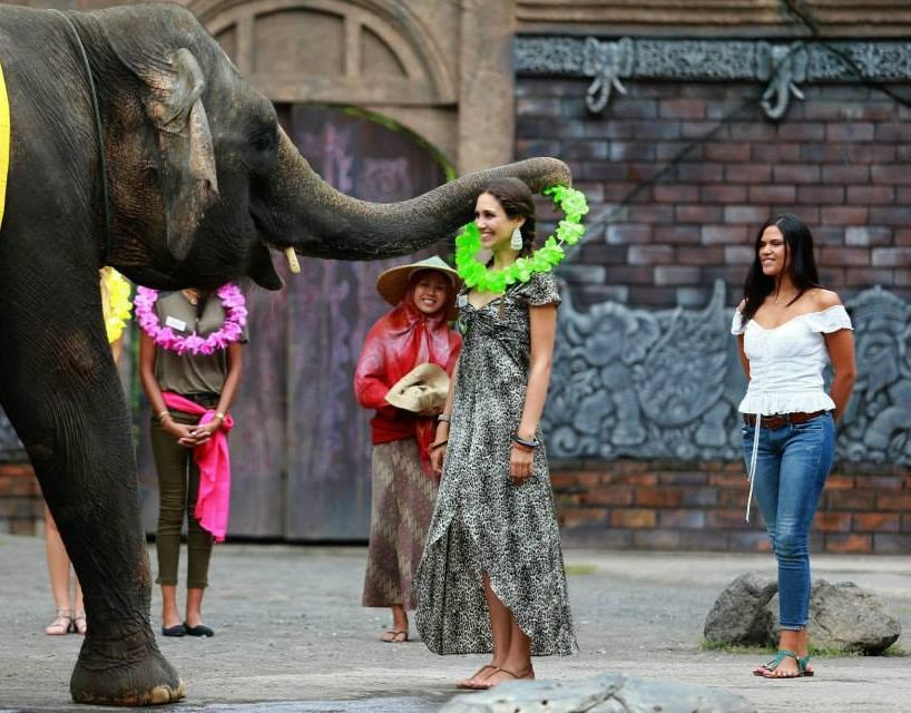 Miss World Peru gets welcome garland from an elephant. (Photo: Miss World Organisation)