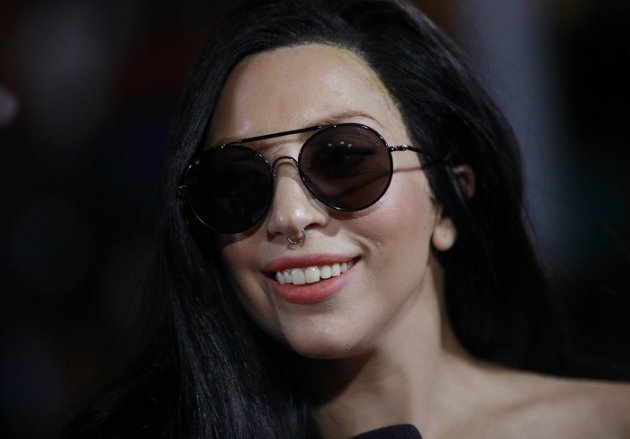 Lady Gaga Comes Out As Lesbian Admirer But Warns Of Drug -4966