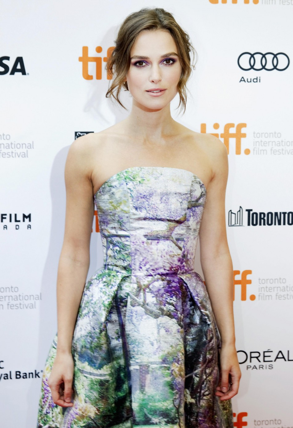Keira Knightley Topless Pride  Prejudice Actress Strips -2141