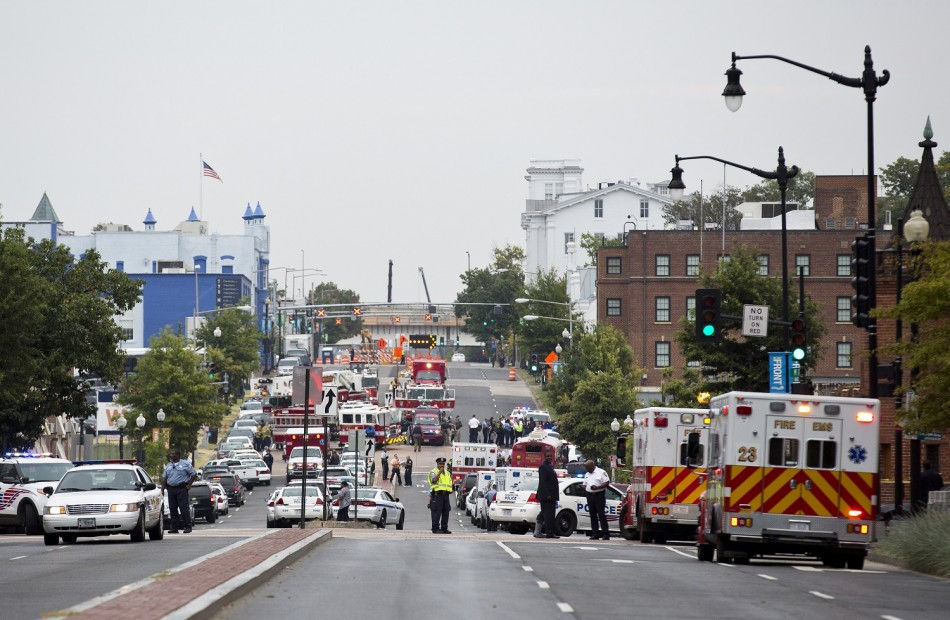 Police block off the M Street, SE, as they respond to a shooting at the Washington Navy Yard