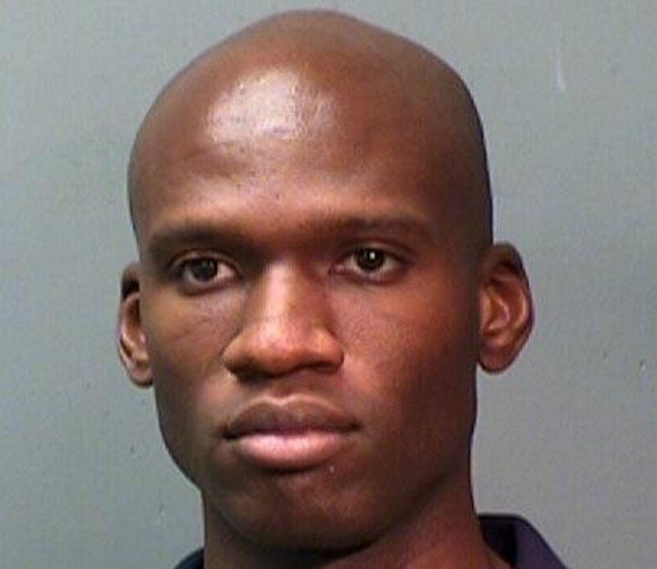 Navy Yard Shooting Fbi Video Shows Gunman Aaron Alexis: Aaron Alexis: Washington Navy Gunman Had Served In Navy