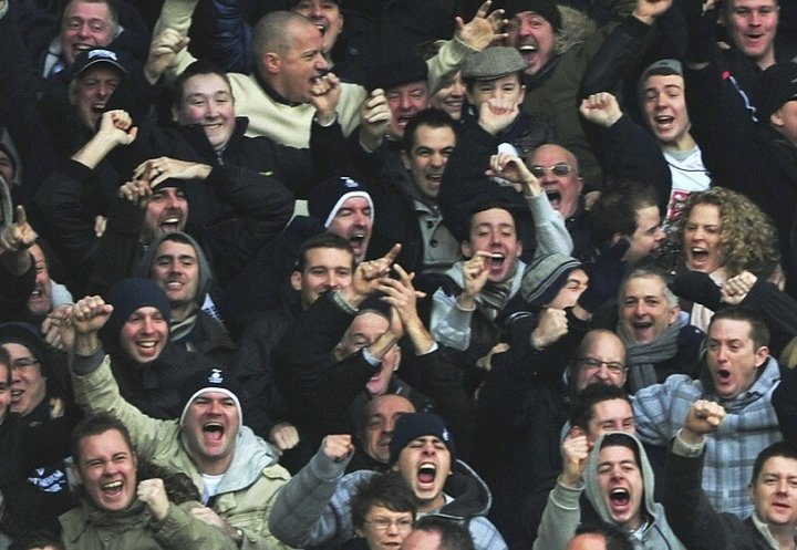 Tottenham Hotspur fans shouldn't face arrest for 'Yid' chants, says David Cameron PIC: Reuters