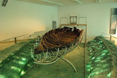 Archaeologists  confirmed a 2,000 year old boat discovered in 1986 was found in what could be Dalmanutha (WikiComms)