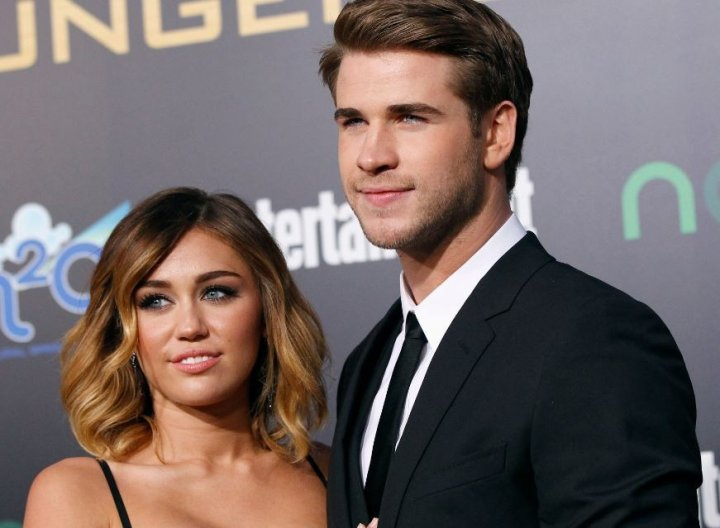 Liam Hemsworth pictured Kissing Eiza González a Day After Miley Cyrus Split (Reuters)
