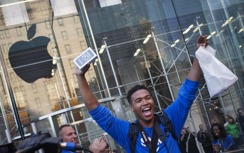 Apple iPhone 500 million sales milestone