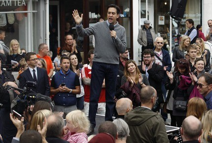 Miliband addressing voters in Brighton