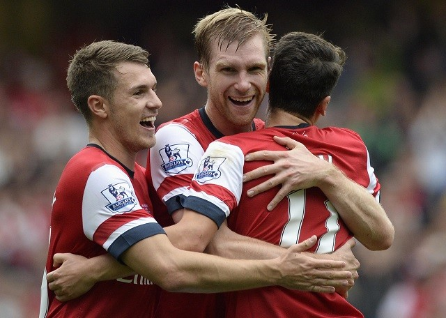 Mertesacker Ramsey Ozil Arsenal