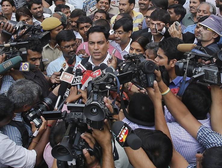 Lawyer AP Singh addresses Press during trial of Delhi bus rapists PIC: Reuters