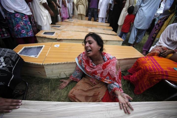 Suicide Blast at Church in Pakistan's Peshawar Kills 81