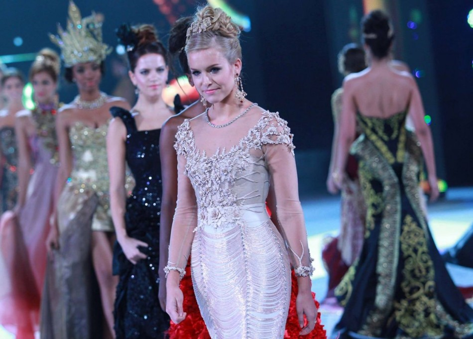 Miss England Kirsty Heslewood takes part in Miss World 2013 Top Model contest at Westin Nusa Dua resort in Bali on 24 September. She made it to the top ten finalist contestants. (Photo: MissWorld/Facebook)