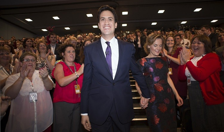 Britain's opposition Labour party leader Ed Miliband pledges to fix energy prices until 2017 if Labour wins the next election (Photo: Reuters)