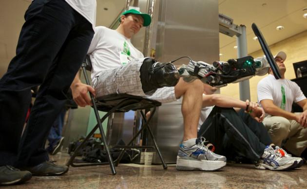 Zac Vawter tests his new bionic limb