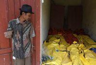 Asylum seekers' boat sinks off Indonesian coast
