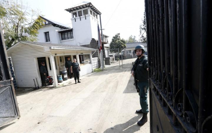 Jail Chile Odlanier Mena  suicide